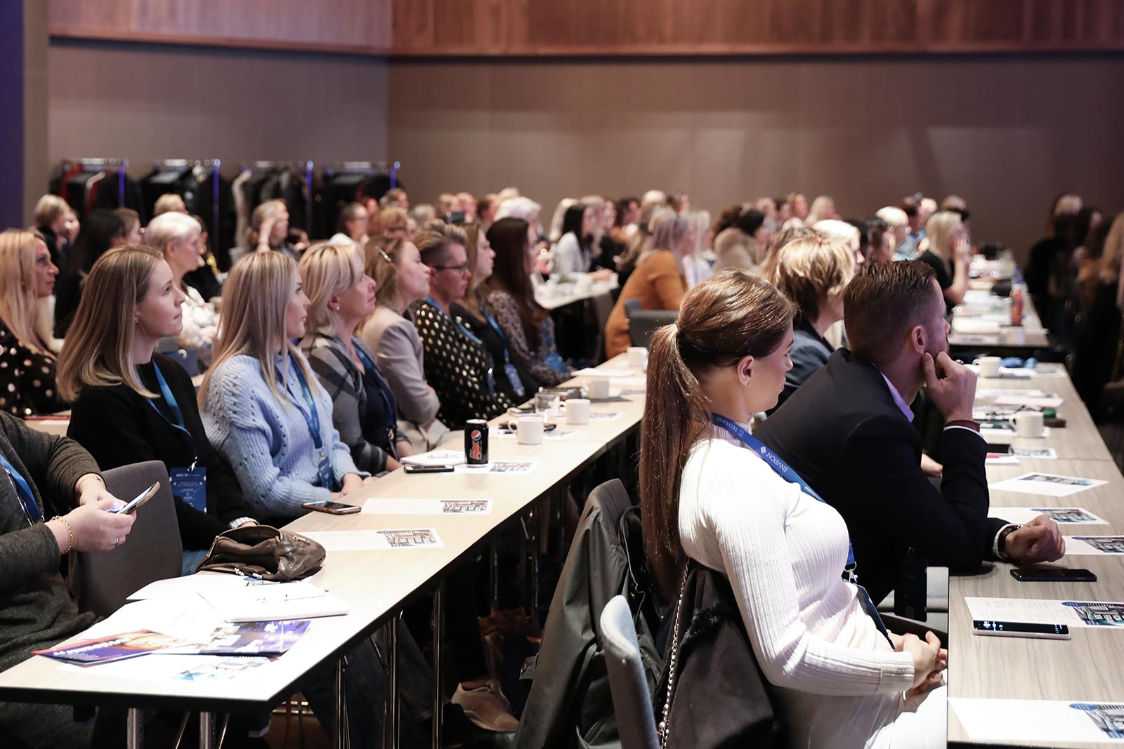 Senzie Conference 2019 - Crowd listening to speaker